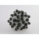 Prstan iz perlic srebrno črne barve